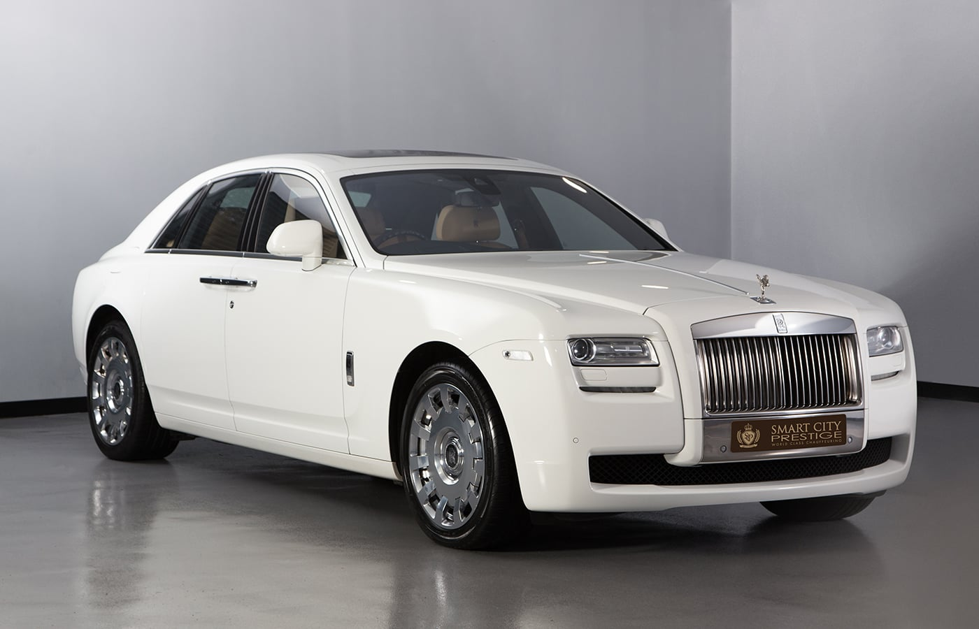 Rolls Royce Ghost White Front
