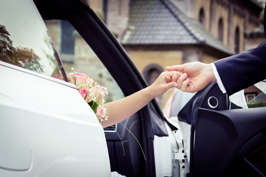 Five Ways to Personalise Your Wedding Car Chauffeur Service
